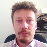 Arnaud Bobee iPhone repairer