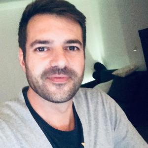 Célio CRISTETA iPhone repairer