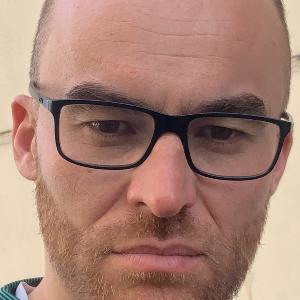Cédric APERT iPhone repairer