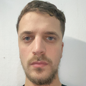 Yacine KERACHENI iPhone repairer